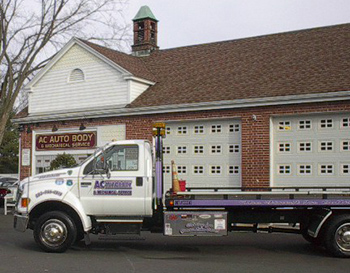 AC Auto Body Flatbed Tow Truck